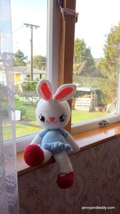 huggy big bunny amigurumi pattern
