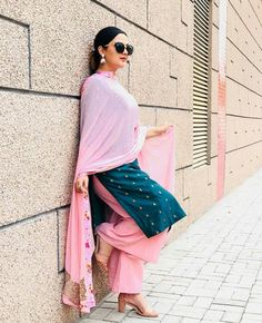 Shop salwar suits online for ladies from BIBA, W & more. Explore a range of anarkali, punjabi suits for party or for work. Punjabi Dress, Pakistani Dresses, Indian Dresses, Punjabi Suit Simple, Salwar Suits Simple, Indian Designer Suits, Indian Suits, Indian Attire, Punjabi Fashion