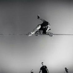 Perspectivas. @michaelmassivo #slackclick #slackline #trickline #acrobatics #perspective #training #atleta #outdoor #slacklining