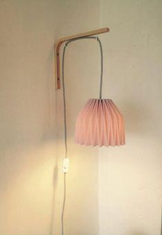 Lampe de chevet applique murale en origami : Luminaires par minilie