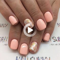 Semi-permanent varnish, false nails, patches: which manicure to choose? - My Nails Shellac Nails, Toe Nails, Spring Nails, Summer Nails, Summer Nail Polish, Design Ongles Courts, Short Gel Nails, Vacation Nails, Dipped Nails