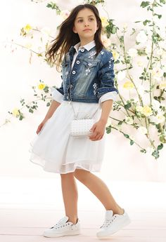 Discover the new collection of women's clothing in the official TWINSET Milano store. A selection of exclusive items: clothes, dresses, underwear, bags and shoes. Tween Fashion, Little Girl Fashion, Little Girl Dresses, Toddler Fashion, Girls Dresses, Outfits Niños, Dope Outfits, Fashion Outfits, Kids Outfits Girls