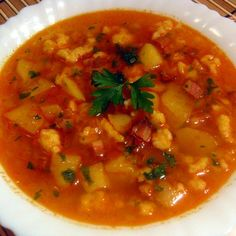 Egy finom Hamis gulyásleves ebédre vagy vacsorára? Hamis gulyásleves Receptek a Mindmegette.hu Recept gyűjteményében! Chana Masala, Thai Red Curry, Food And Drink, Baking, Ethnic Recipes, Soups, Patisserie, Backen, Soup