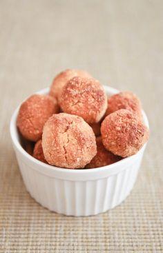 Clean Eating * Simple Vanilla Macaroons ~ NO SUGAR