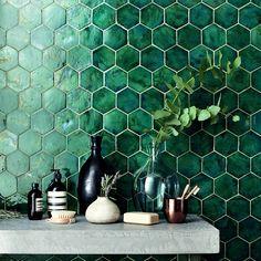 FYI: Layout & placement is everything! Hexagon Tile Bathroom, Kitchen Wall Tiles, Hexagon Tiles, Green Bathroom Tiles, Green Tiles, Dark Green Bathrooms, Dark Green Kitchen, Dark Green Walls, Painted Brick Walls