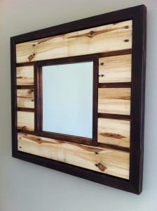 wood Pallet Frame Wall Art is part of Pallet mirror frame - Welcome to Office Furniture, in this moment I'm going to teach you about wood Pallet Frame Wall Art Pallet Mirror Frame, Pallet Vanity, Wood Mirror, Wood Wall, Wooden Pallet Projects, Pallet Crafts, Wooden Pallets, Pallet Wood, Diy Pallet