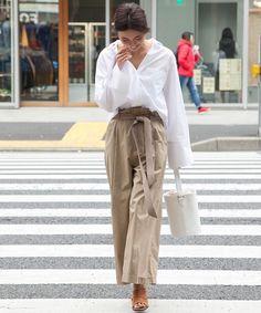 minimalist street style - maxi trousers, white shirt