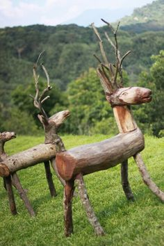 36 Adorable Animal Figure Ideas with Wood Slices - Balcony Decoration Ideas in E. - 36 Adorable Animal Figure Ideas with Wood Slices – Balcony Decoration Ideas in Every Unique Detail - Wood Log Crafts, Christmas Wood Crafts, Christmas Projects, Christmas Christmas, Christmas Decorations, Holiday, Diy Garden Projects, Diy Wood Projects, Garden Ideas