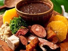 Feijoada à brasileira: leva costela, lombo e linguiça e outras carnes. #MaisVocePT http://glo.bo/ZQfyu6