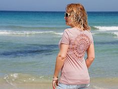 Pink nude t-shirt with upcycled vintage crochet doily back - size S-M