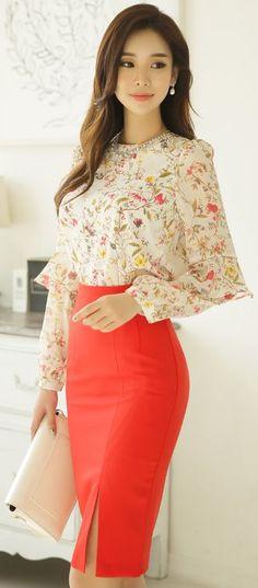 StyleOnme_High-Waisted Side Slit Pencil Skirt #orange #red #slit #feminine #chic #elegant #spring #koreanfashion #seoul #kstyle #pencilskirt