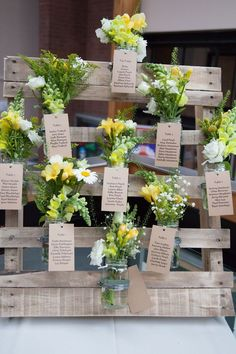 A wedding table plan in pallets! Get inspired! Un plan de table mariage en palettes! A wedding table plan in pallets! 20 ideas … Get inspired! Tableau Marriage, Origami Decoration, Festa Party, Wedding Ceremony Decorations, Wedding Seating, Table Wedding, Table Plans, Planer, Wedding Events