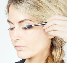 Dust baby powder over your eyelashes between the first and second coats of mascara to plump up your lashes.