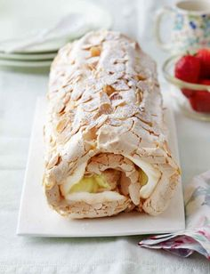 How to Make Mary Berry's Lemon and Pistachio Meringue Roulade from 'Easter Feast' (Video) – Leo Sigh Lemon Meringue Roulade, Lemon Roulade, Lemon Meringue Cupcakes Recipe, Mini Lemon Meringue Pies, Roulade Recipe, Lemon Meringue Cheesecake, Meringue Cake, Meringue Pavlova, Meringue Desserts