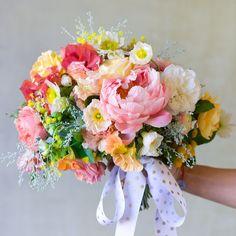 A colorful bouquet by Kiana Underwood of Tulipina Bridal Bouquet Pink, Spring Bouquet, Bride Bouquets, Bridesmaid Bouquet, Floral Wedding, Wedding Colors, Wedding Flowers, Beautiful Flower Arrangements, Beautiful Flowers