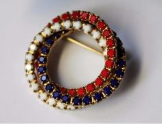 Vintage+Red+White+Blue+Rhinestone+Milk+Glass+Circle+Brooch+Pin+Goldtone+#circlebroochpin