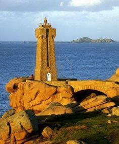 Pors Kamor lighthouse, Ploumanach, Brittany, France