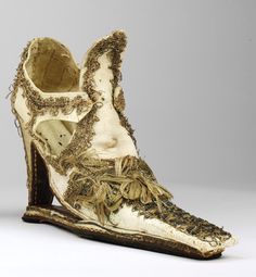 17th century MENS - MENS - M E N 'S shoe... Would you believe that?! Repinned by www.silver-and-grey.com