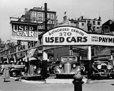 Used cars in the big city.  Andreas Feininger    New York 1940 -  Seventh Avenue  geh.org