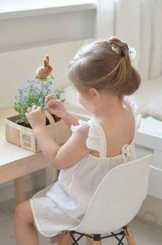 ❀ ᴱ ᴬ sᵀ ᴱ ᴿ springs near Cute Little Baby, Little Babies, Cute Babies, Little Girls, Cute Baby Girl Pictures, Baby Photos, Cute Kids Photography, Beautiful Children, Little Princess