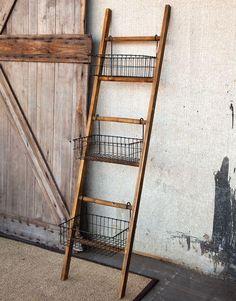Farmhouse Shelf Ladder with Wire Baskets. - Farmhouse Shelf Ladder with Wire Baskets - Farmhouse Furniture, Diy Furniture, Farmhouse Decor, Farmhouse Style, Farmhouse Ideas, Antique Farmhouse, Furniture Storage, Painted Furniture, Farmhouse Baskets