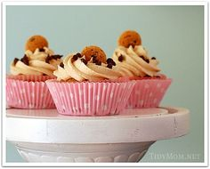 Chocolate Chip Cookie Cupcakes via http://newsmix.me