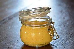 Plantaardige FODMAP Notenkaas! Een heerlijk plantaardig alternatief voor (smeer)kaas is notenkaas. De zoete variant van notenkaas is heerlijk om een plantaardige taart mee te maken. De hartige variant van notenkaas kan je gebruiken op een cracker, boterham, door de pasta, over een ovenschotel… you name it!