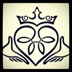 Great Claddagh tattoo design can be used for the first tattoo. Tag… Great Claddagh tattoo design can be used for the first tattoo. Tags: First, Easy, Meaningful Celtic Wedding Rings, Titanium Wedding Rings, Celtic Symbols, Celtic Art, Celtic Tattoo For Women Irish, Celtic Decor, Celtic Knots, Tattoo Design Drawings, Tattoo Designs