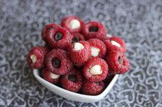 Recipe:+Skinny+Chocolate-Stuffed+Raspberries