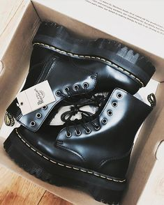 Shared by @araniii00! Thanks for sharing! Bad ass boots always that amazing! The awesome Jadon in Black Polished Smooth! #DrMartens #DrMartenStyle #AllAboutDrMartens #doc #martens #docmartens #bootslover #boots #docslife #docs4life #footwear #8eyelet #8hole #Jadon #black #polished #smooth #new #newboots #badass