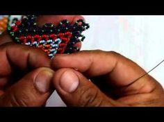 CURSO COMPLETO COLLAR EN MOSTACILLA - YouTube Jewelry Making Tutorials, Beading Tutorials, Peyote Patterns, Beading Patterns, Cool Mens Bracelets, Beaded Crafts, Beading Techniques, Beads And Wire, Bead Crochet