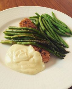 Todays dinner salmon asparagus green beans • quark sauce fish lax bönor sparris • sås kvarg