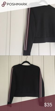 Pacsun Cropped Sweatshirt Brand new without tags  Tags has been cut off. Extremely cute sporty look. Made of the same material as most tracksuits.   🚫No Trades 🔺Bundle to save🔻 PacSun Tops Sweatshirts & Hoodies