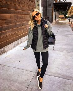 winter outfits with leggings Die beliebtesten - winteroutfits Casual Fall Outfits, Winter Fashion Outfits, Fall Winter Outfits, Look Fashion, Cute Outfits, Vest Outfits For Women, Spring Outfits, Woman Fashion, Casual Weekend Outfit