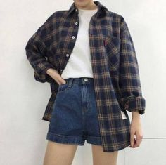 flannel fall outfits style tips how to wear your favorite shirt 2 ~ my. flannel fall outfits style tips h. Vintage Outfits, Retro Outfits, Cute Casual Outfits, Outfits For Teens, Fall Outfits, Fashion Outfits, Fashion Vintage, Boyish Outfits, Fashion Belts