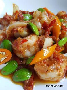 สะตอผัดกะปิใส่กุ้ง Thai Recipes, Salad Recipes, Healthy Recipes, Thai Cooking, Easy Cooking, Thai Street Food, Good Food, Yummy Food, Thai Dishes