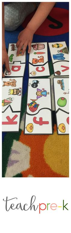 Farm themed beginning sounds puzzles!  Just one of the fantastic developmentally appropriate beginning sounds centers for your Preschool, PreK, Kindergarten or Homeschool curriculum!