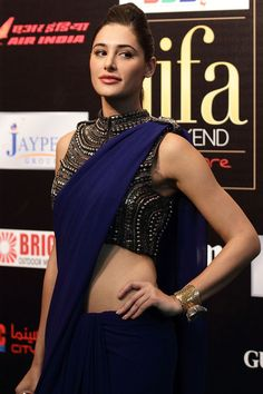 Indian Bollywood Actors, Beautiful Bollywood Actress, Most Beautiful Indian Actress, Bollywood Saree, Bollywood Fashion, Indian Actresses, Muslim Fashion, Indian Bridal Fashion, Bridal Fashion Week