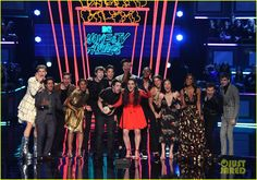 13 reasons why full cast mtv awards 01