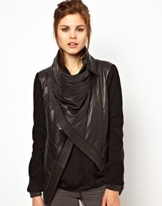 Leatherjacket by 2d Day - 485,21€