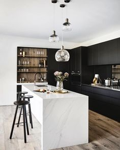 Incredible Cool Ideas: Inexpensive Kitchen Remodel Home Improvements kitchen remodel on a budget.Inexpensive Kitchen Remodel Home Improvements kitchen remodel sink faucets.Inexpensive Kitchen Remodel Home Improvements. Modern Kitchen Interiors, Home Decor Kitchen, Interior Design Kitchen, Modern Interior Design, Kitchen Ideas, Space Kitchen, Kitchen Modern, Minimalist Kitchen, Industrial Interiors