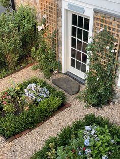 Chrissie: Pea Gravel Gardens