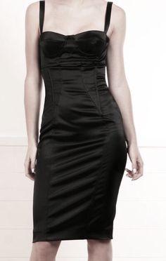 Pinterest ⇝ ✧∘DarkFrozenOcean∘✧  #tumblr #black #fashion #dark #cute #everythingblack #grunge #clothing #outfits #shirt #shirts #pants #hats #bags #dress #all #black #style