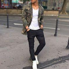 Hoje em dia temos listas fashion de todos os tipos: lista das roupas essenciais, das peças das estação, dos sapatos obrigatórios, das maiores tendências do ano, até do que não usar de jeito nenhum.…