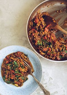 Curried Lentils with Spinach // a quick, hearty lentil dish - perfect for easy dinners // roughmeasures.com