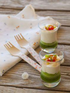Bocados dulces y salados: Crema de mozzarella con gelatina de albahaca Mozzarella cream with jelly basil