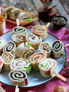 Crepes, Mousse, Grill Party, Bento Recipes, Sandwiches, Party Finger Foods, Food Trays, Party Buffet, Menu