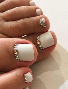 Pretty Toe Nails, Cute Toe Nails, Glam Nails, Beauty Nails, Gel Toe Nails, Feet Nails, Toe Nail Art, Toenails, Fabulous Nails