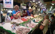 'Frischer Fisch in der Markthalle' aus dem Reiseblog 'Wer in Torrevieja den Urlaub verbringt, genießt hier besonders spanische Wochenmärkte'