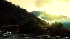 La ciudad de #SanJuanDePasto te recibe con un #cálido #atardecer y el sol sobre el #VolcánGaleras.  San Juan de Pasto city welcomes you with a #warm #sunset and the sun over the #GalerasVolcano.  #Paisaje #Landscape #picoftheday #photooftheday #instagood #instalike #love #like4like #BestoftheDay #Canon #Canonistas #naturaleza #nature